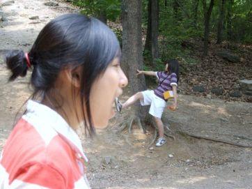 Korean girls eat boys