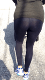 yoga pants mom
