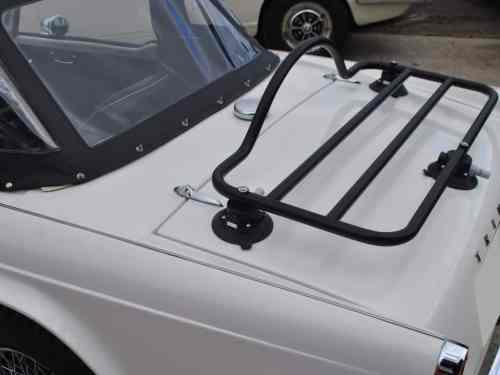 tr luggage rack