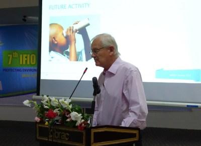 Peter Daae presenterer IMPACT Norways fremdriftsplaner på International Federation of Impact Organisations (IFIO) konferanse i Dhaka, November 2014