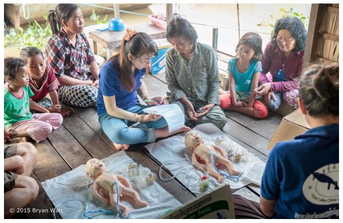 """""""Helping Babies Breathe"""" jobber for å redusere barnedødligheten"""