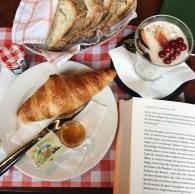 Zürich Travelguide und Fotoalbum: Café im Volkshaus