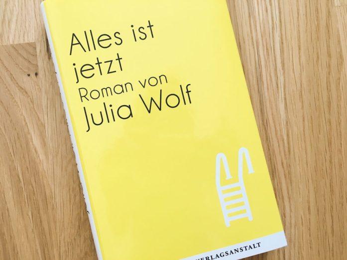 """4 Bücher unter 200 Seiten: """"Alles ist jetzt"""""""