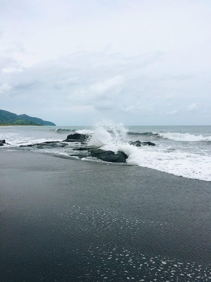 Playa Venao, Panama: Strand, Surfen, Wasserfall