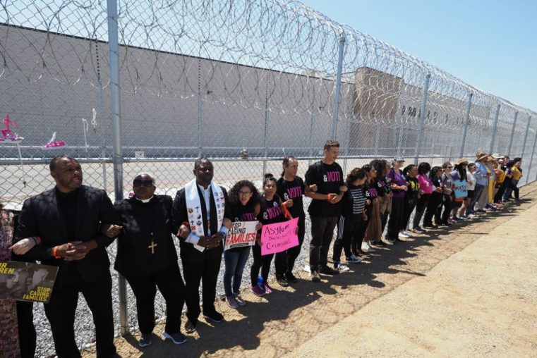 California Seeks to End the Private Prisons and the Migration Detention Business