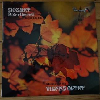 SDD 251 Mozart Divertimenti K.334 & K.136
