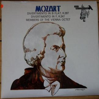 SDD 290 Mozart Divertimenti / Member of the Vienna Octet