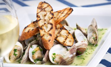 Local steamed clams at SNOB