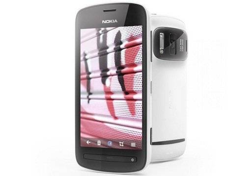Nokia 808 PureView - A Technical Review of The Super Star