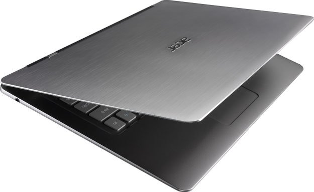 Acer has Released a Very Thin Ultrabuk to Ivy Bridge and Thunderbolt.