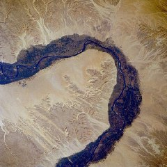 Nile_river_r