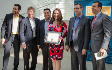 Nimble Storage receives the Energy Champion Award from Sam Liccardo, Mayor of San Jose Photo: Kat Usavage
