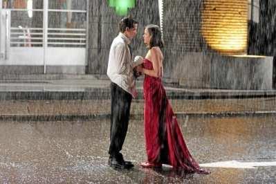 Scène finale du film jeux d'enfants : Sophie et Julien sont sous pluie, prêt à s'avouer qu'ils s'aiment. Cap ou pas cap ?