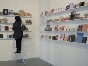 Fig. 7 : I.S.B.N. (livres d'artistes et après), exp., Montpellier, Galerie Aperto, 2008 ; commissariat : Éric Watier © Galerie Aperto