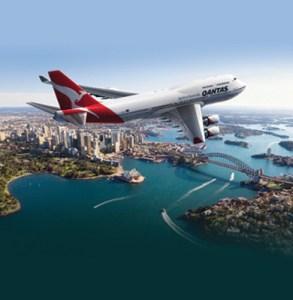 Qantas 747-over-sydney