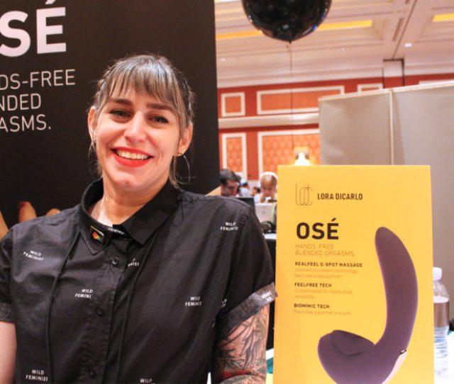 Photo Evie Smith Of Lora Dicarlo Promotes Sexual Stimulator Ose