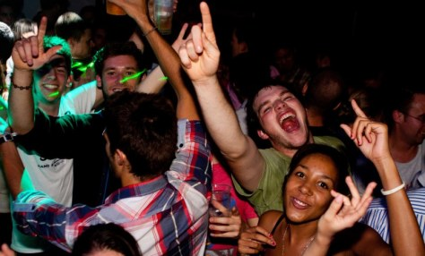 partying-students