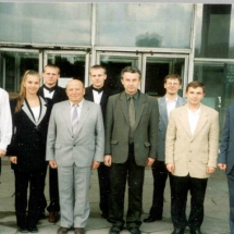 Колектив кафедри з випускниками, 2001 р.
