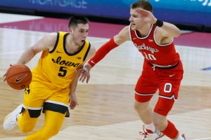 Ohio State loses third straight, falls to Iowa 73-57