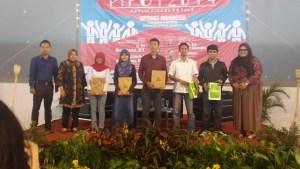Satu Panggung dengan Walikota Surabaya