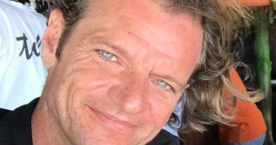 Guerre Digicel – Conatel : Maarten Boute attaque, DG Rodney crie à la diffamation