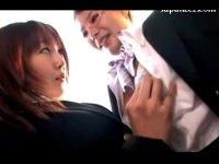 美人CAが仕事の合間に濃厚なレズキスをしておまんこを濡らし指マンしてる女性用無料動画