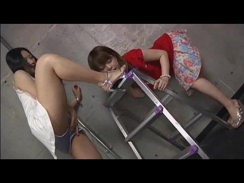 舐めるのが大好きな淫乱お姉さん達が全身唾液まみれになってるrezubiannn 映画