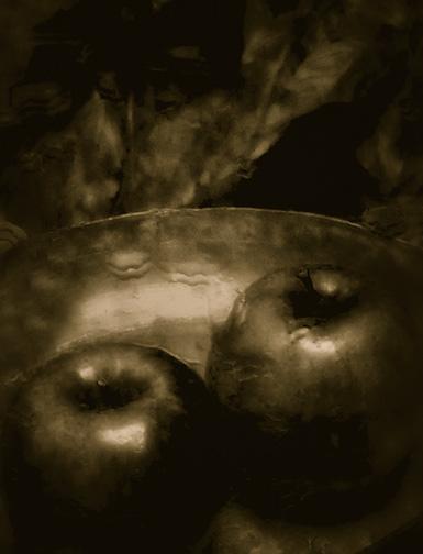 Apples in the Dark © Josephine Sacabo