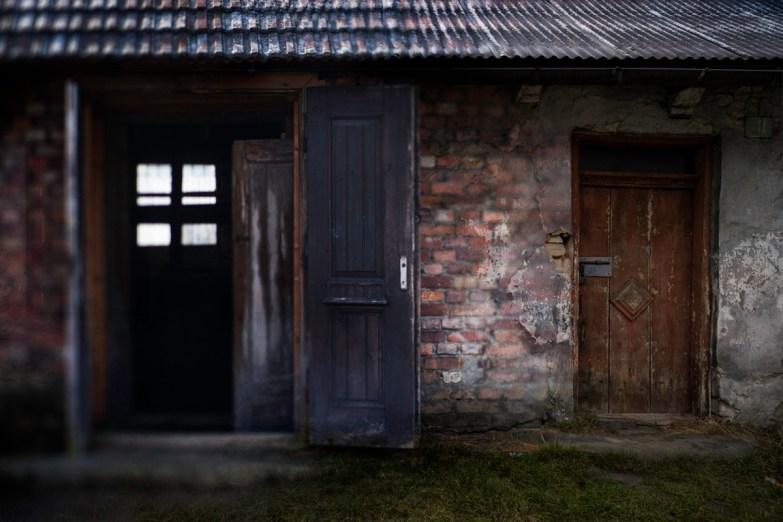 Front Doors © Keron Psillas