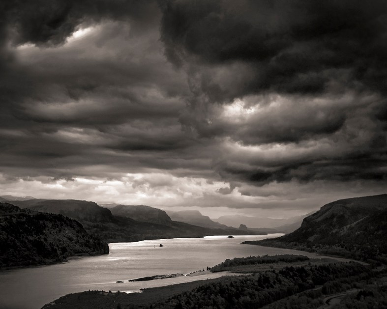 Approaching Storm, Columbia River Gorge © Matthew Vogt