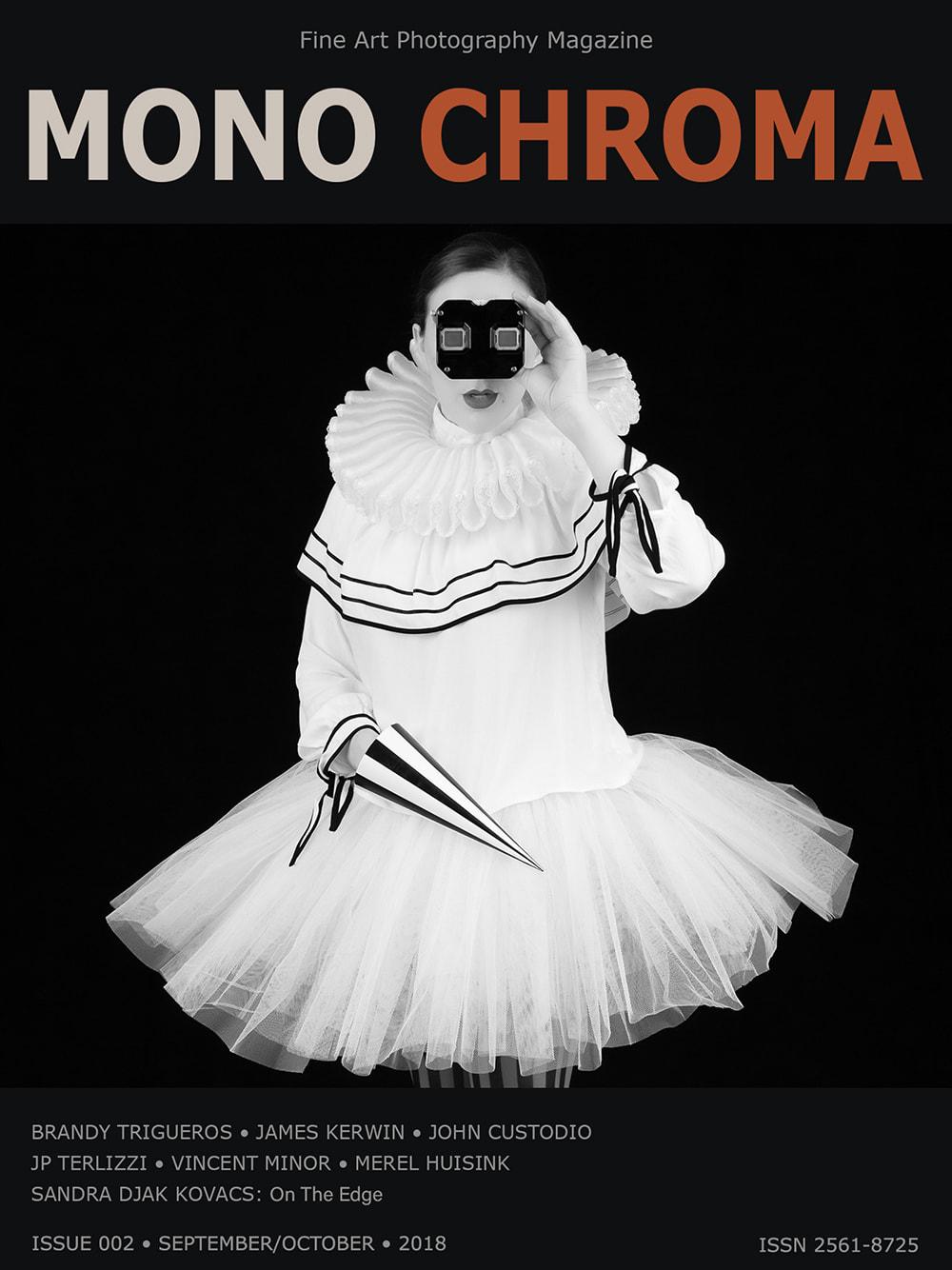 Mono Chroma Mag