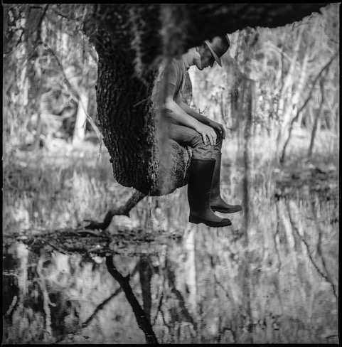 Suspended © Evy Huppert