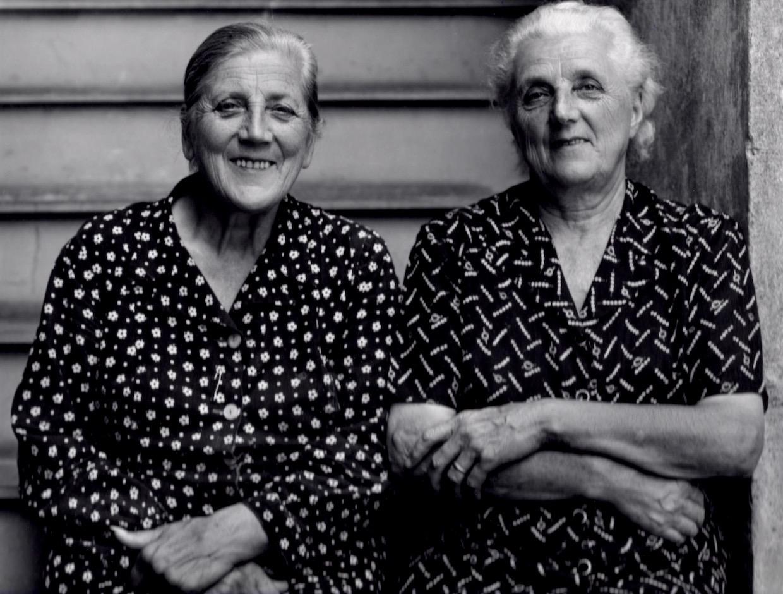 Sisters © Ernie Luppi