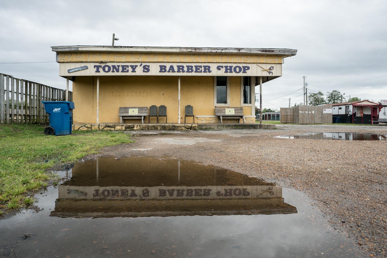 Toney's Barbershop © Bob Newman
