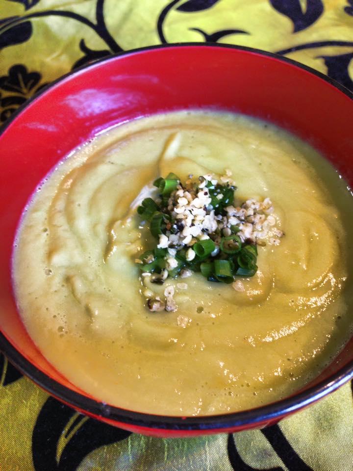 アボカド味噌スープ