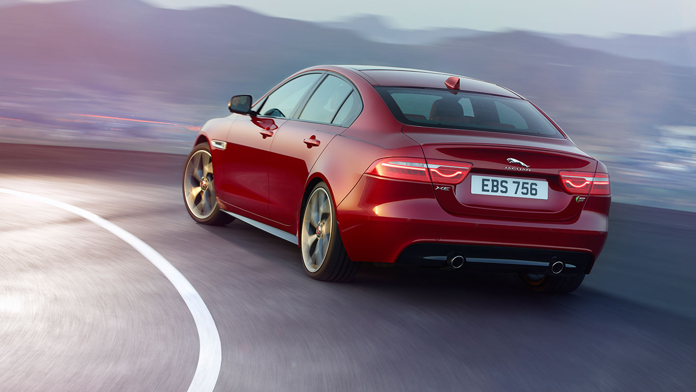 Jaguar XE : Avis et Performances