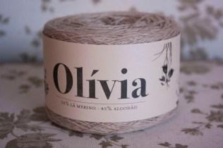 ovelhanegra-olivia-57dove-441-3x-2017-01-14-1