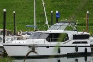 Anerkennung von ausländischen Sportbootführerscheinen - Motoryacht mit 120 PS Daf Diesel