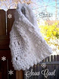 Warm Snow Cowl by Stitch11