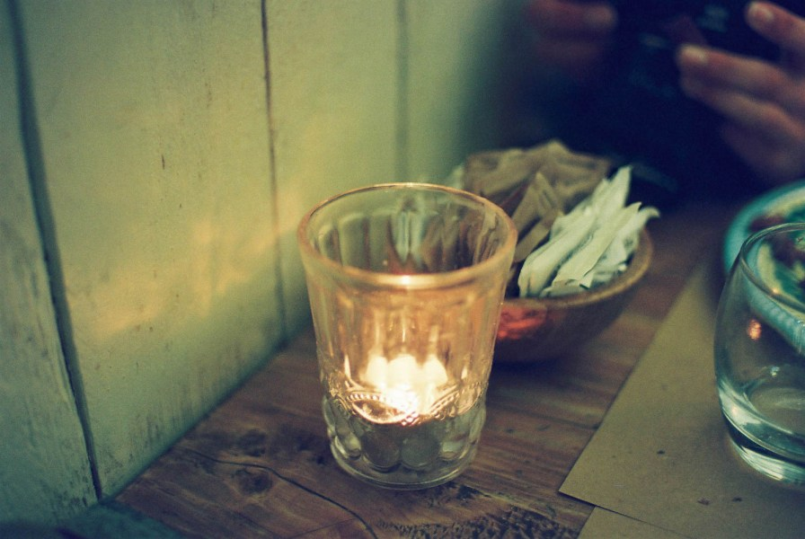 Travel photograph of a Candle at 00 Restaurant in Lecco, Puglia, Italy