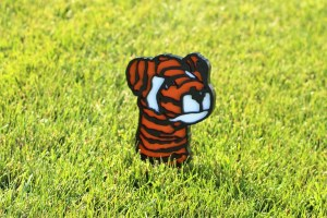 tee-markers-tiger-woods