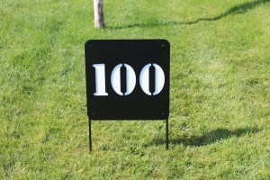 upright-yardage-sign