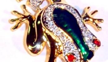 Vintage Green Enamel Pave Rhinestone Frog Brooch Pin Frogs