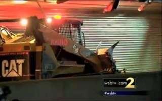 10,000 Pounds of Pallets Spills onto I-285
