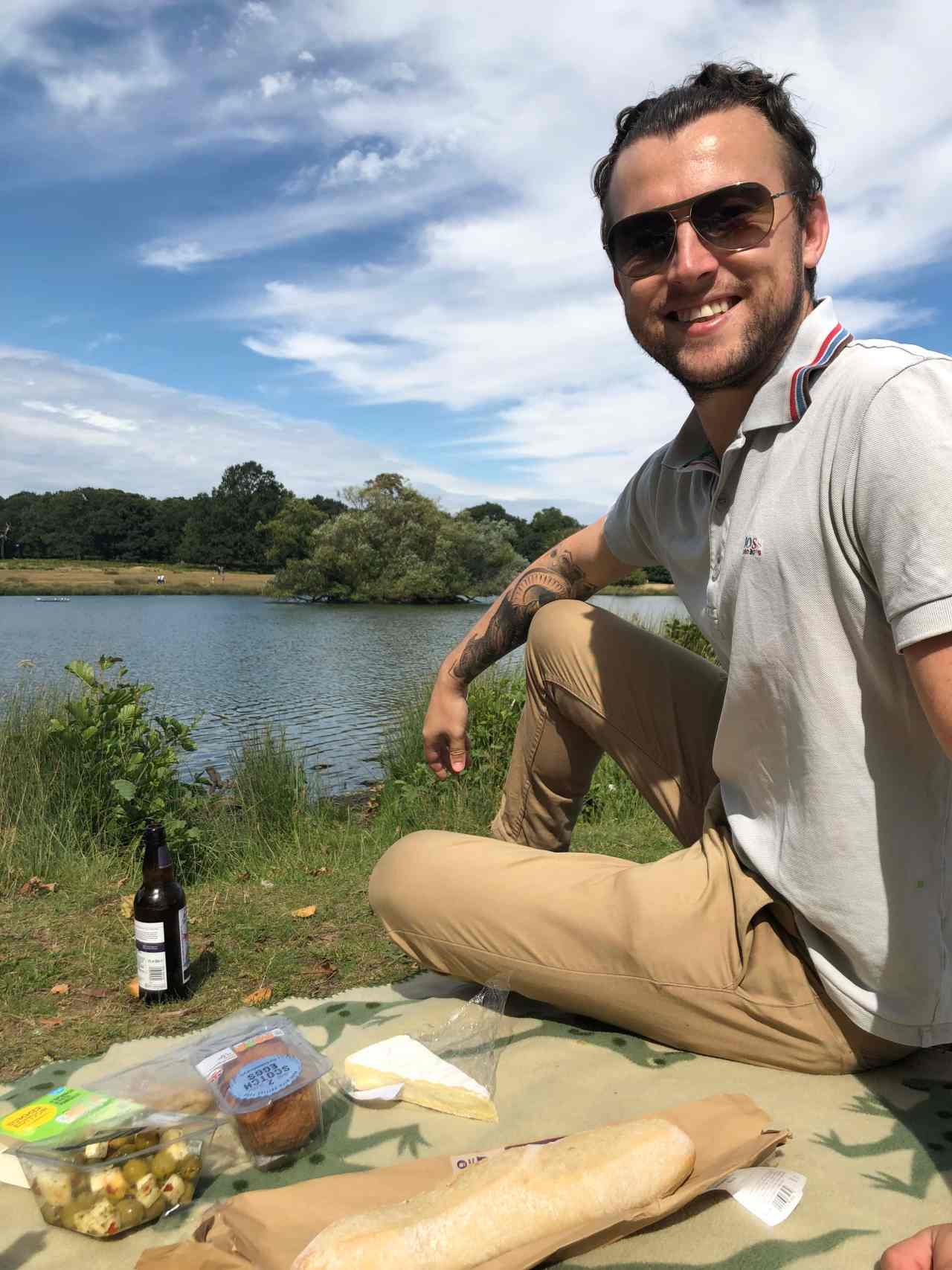 Picnic by Richmond Park lake