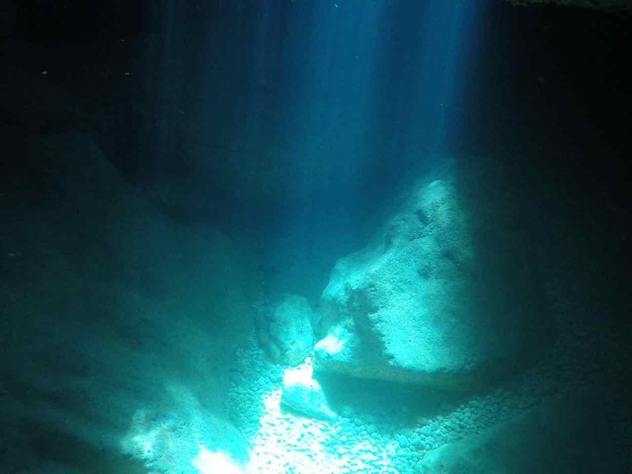 underwater sunlight rays