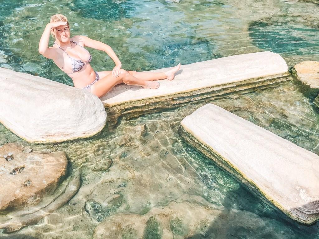 Cleopatra's pool columns