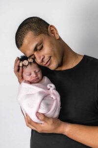 Rodolfo e Dalila - licença-paternidade permite que pais passem mais tempo com os filhos