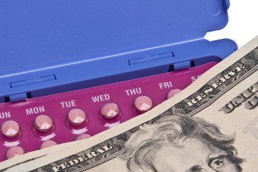 https://i2.wp.com/rhrealitycheck.org/wp-content/uploads/2013/09/birth-control-money-375x250.jpg