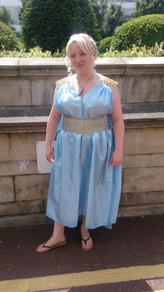 Me as Daenerys, in a garden in Qarth (or a carpark outside the hotel - WHATEVER)